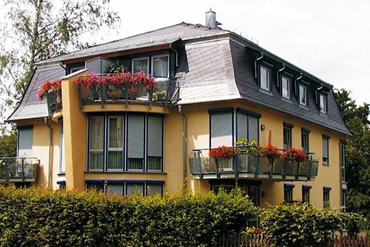 Max-Höra-Straße 14